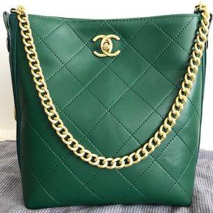Chanel 10 x 9 x 5 Green